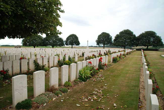 rocquigny-cemetery
