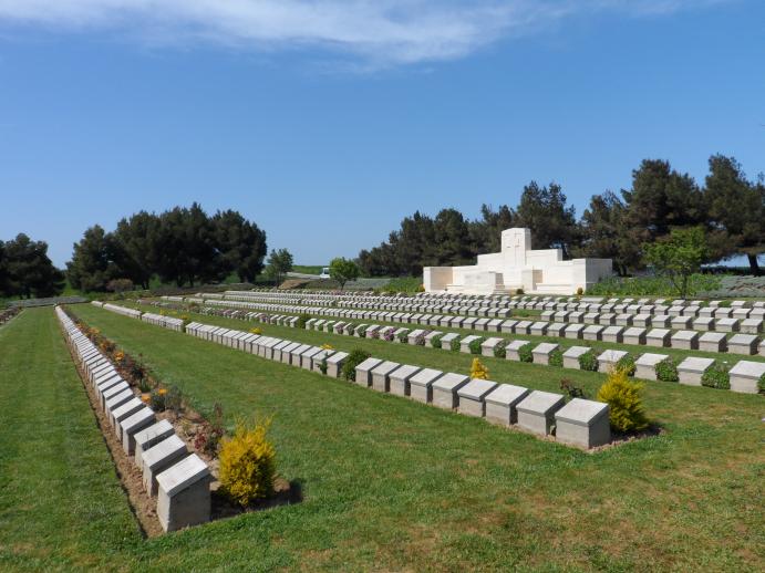 Lancashire-Landing-Cemetery---Apr13_0388-(2)
