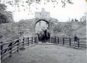 Civic week Norham 1951 riding through the Marmion Gate