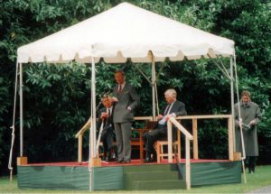Prince Charles unveiling the statue to Lord Hume.